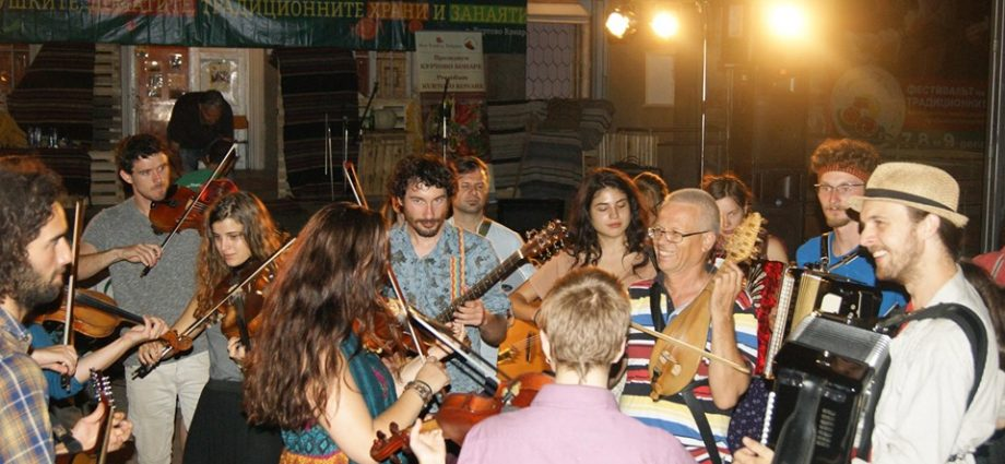 Куртово Конаре Фест предлага прекрасна музика, изкуство и любима храна от 6 до 8 септември